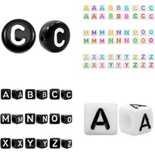 Perlen aus Acryl mit Buchstaben